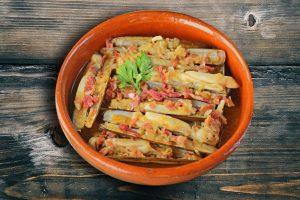 plato de navajas cocinadas
